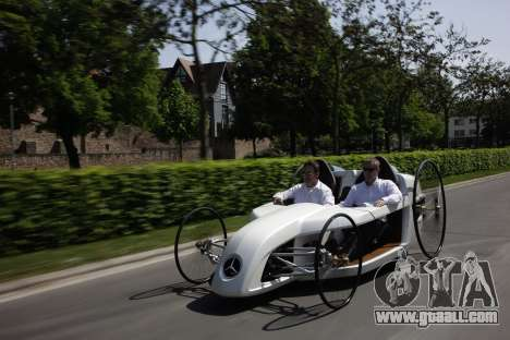 Boot screens Mercedes-Benz F-CELL Roadster for GTA 4 ninth screenshot