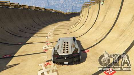 GTA 5 Maze Bank Mega Spiral Ramp fourth screenshot