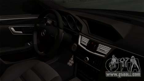 Mercedes-Benz E63 AMG Police Edition for GTA San Andreas right view