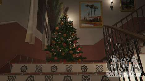 GTA 5  Christmas decorations for Michael's house fourth screenshot