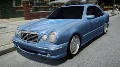 Mercedes-Benz E55 AMG Blue for GTA 4